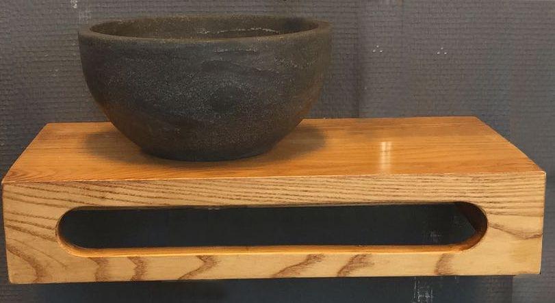 Lambini Designs Sanderos natuursteen waskom met massief houten planchet