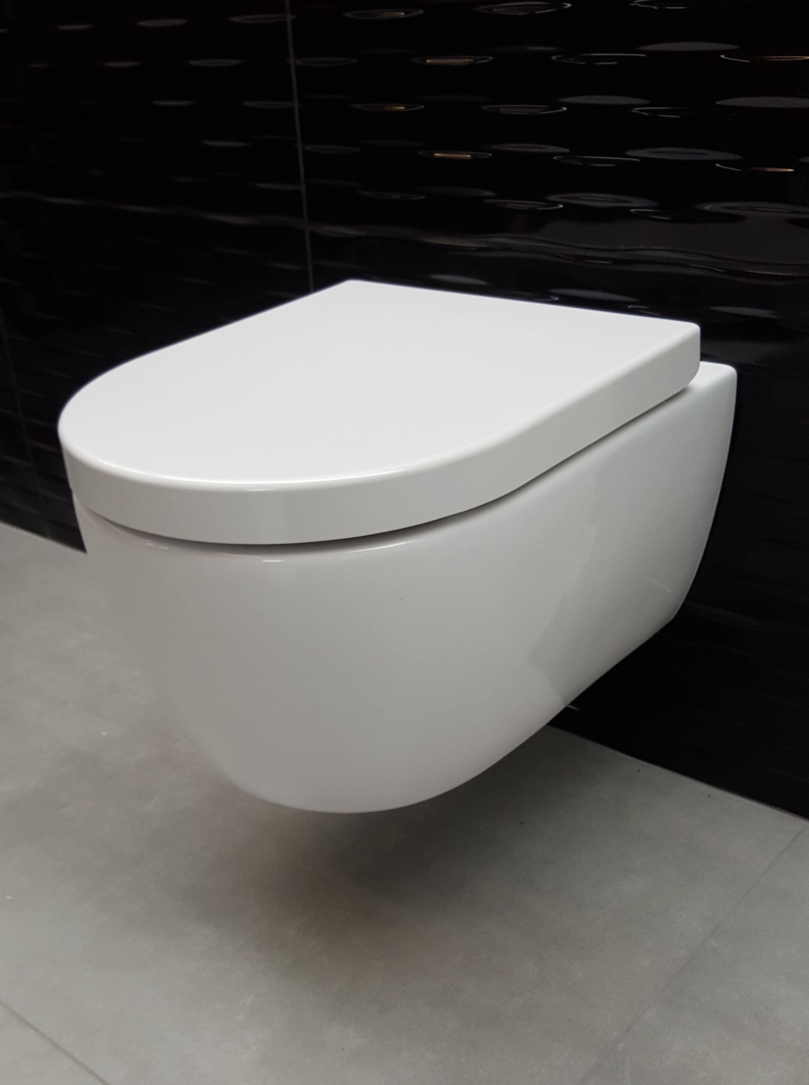 Lambini Designs Sub rimfree toiletpot incl. softclose zitting