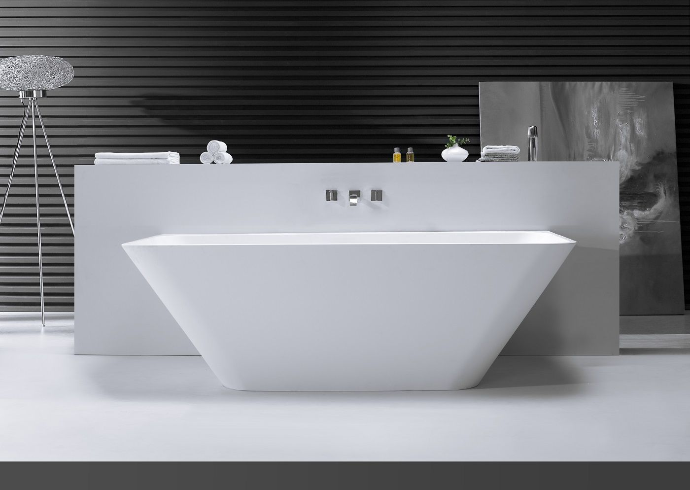 Mueller back to wall solid surface ligbad
