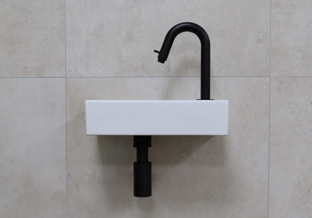 Mueller Mini Rhea 36x18x9 fonteinset mat wit met zwarte gebogen fonteinkraan rechts