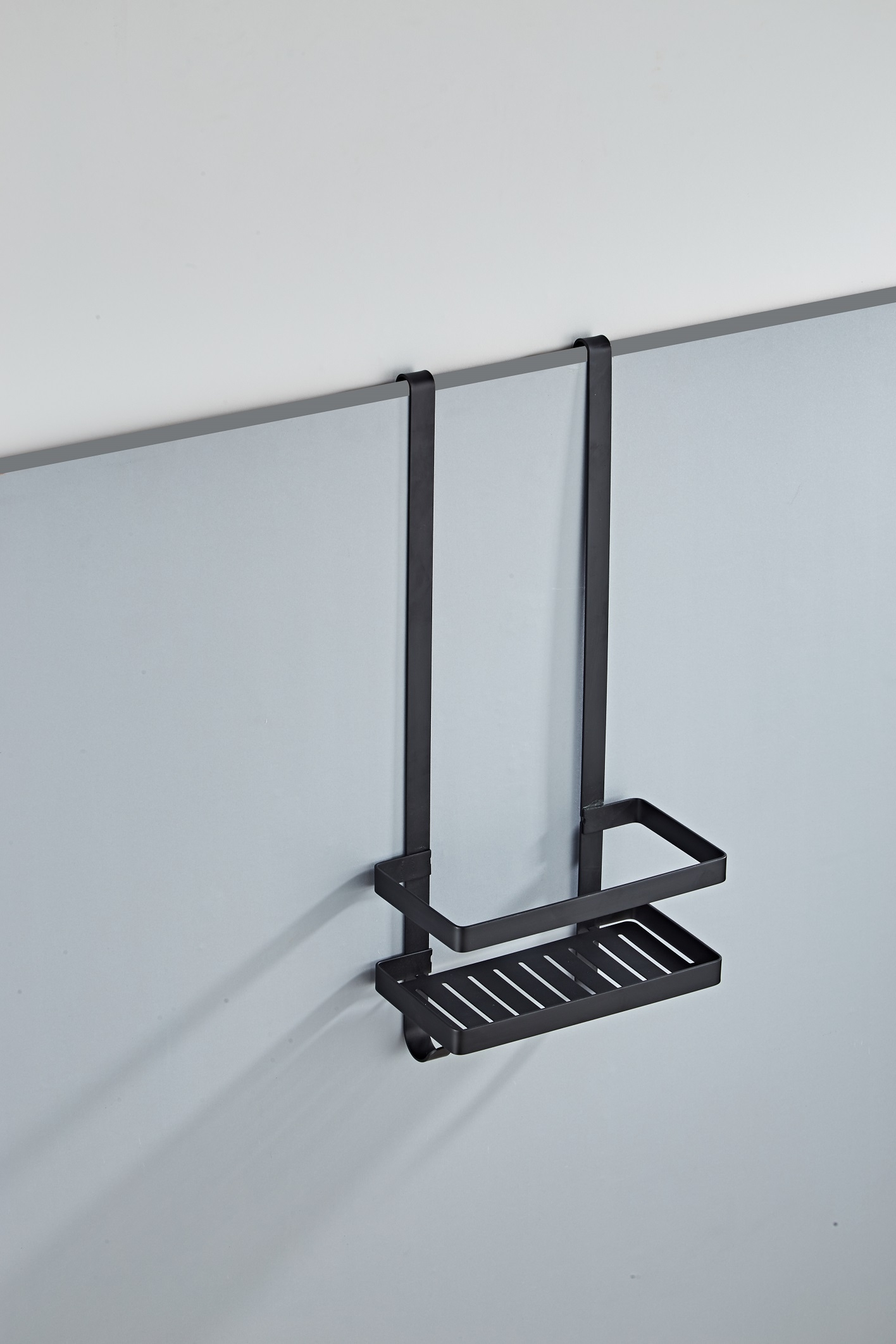 Het nero doucherekje is ideaal om over de douchewand heen te plaatsen. hierdoor hoeft u geen gaten in de ...